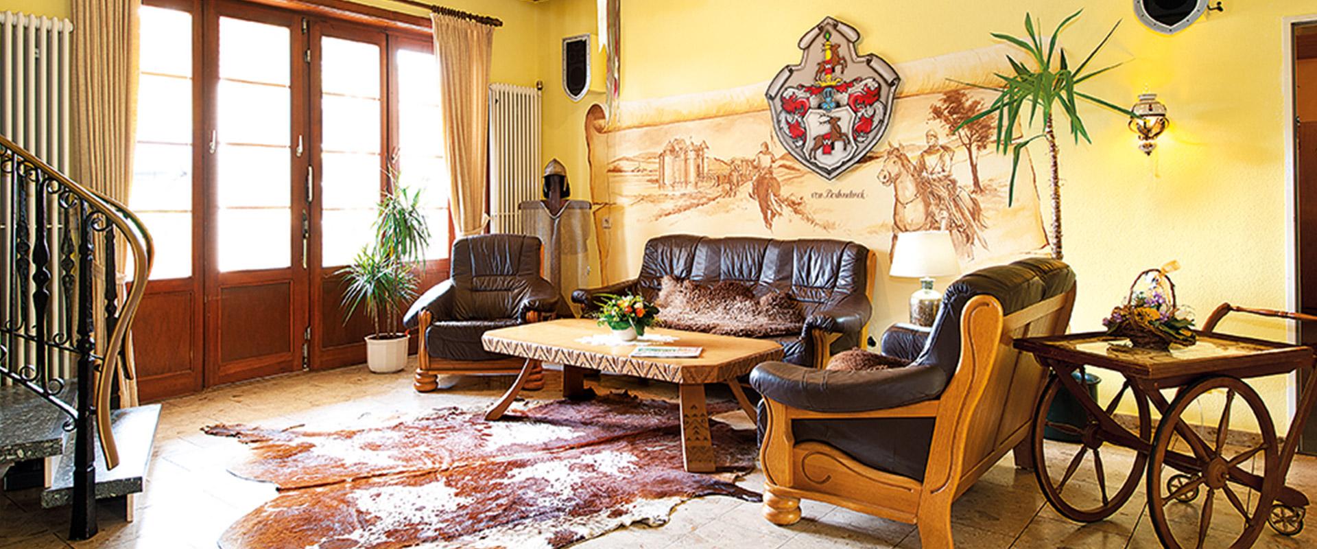Bad landhaus landhaus bad meisterbetrieb benjamin graf bad hochschrank landhaus mango - Esszimmer bad nauheim ...